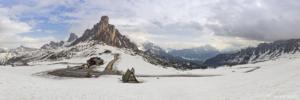 Dolomity, Passo Giau 2018-05-03 panorama2a